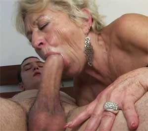 Blowjob from sister